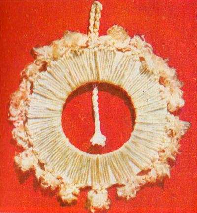 Плетение декоративного украшения на стену в макраме.